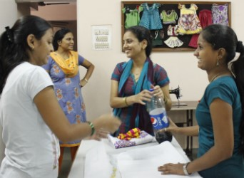 Asha offers a large variaty of courses depending of the needs of every women.